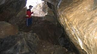 Jeskyně-s-excentriky-02